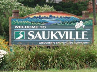 'Welcome to Saukville' City Limits Sign